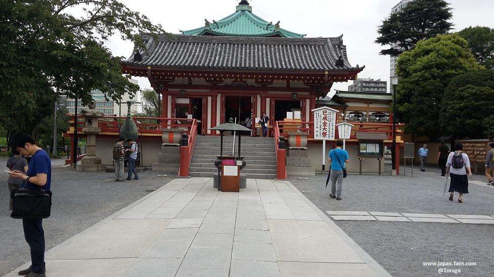shinobazu-pond-bentendo-03-26-07-2016