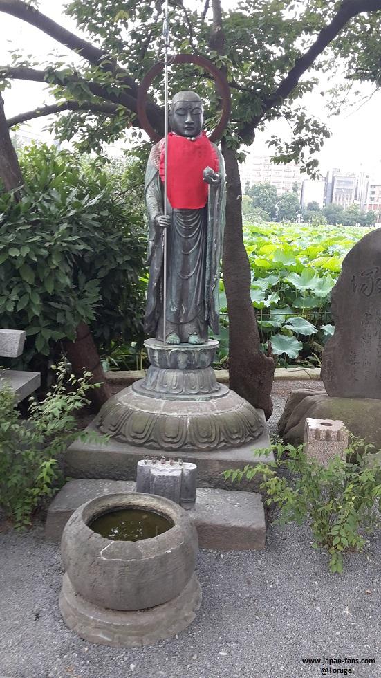 shinobazu-pond-bentendo-05-26-07-2016